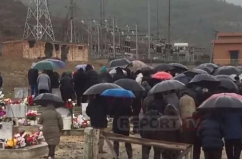 Έγκλημα στην Κέρκυρα: Σπαραγμός και οδύνη στην κηδεία της 28χρονης Αγγελικής! (video)