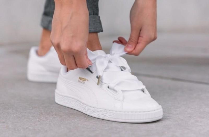 Εύκολα και πρακτικά tips για να καθαρίσεις τα αθλητικά και πάνινα παπούτσια σου χωρίς να τα καταστρέψεις!