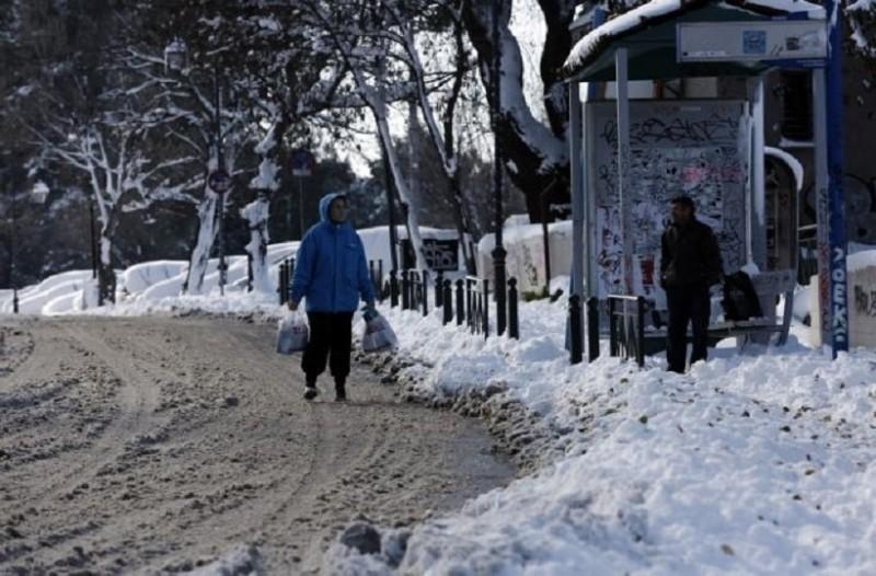 Κακοκαιρία «Υπατία»: Το ασυνήθιστο φαινόμενο της παγωμένης βροχής που προκαλεί!