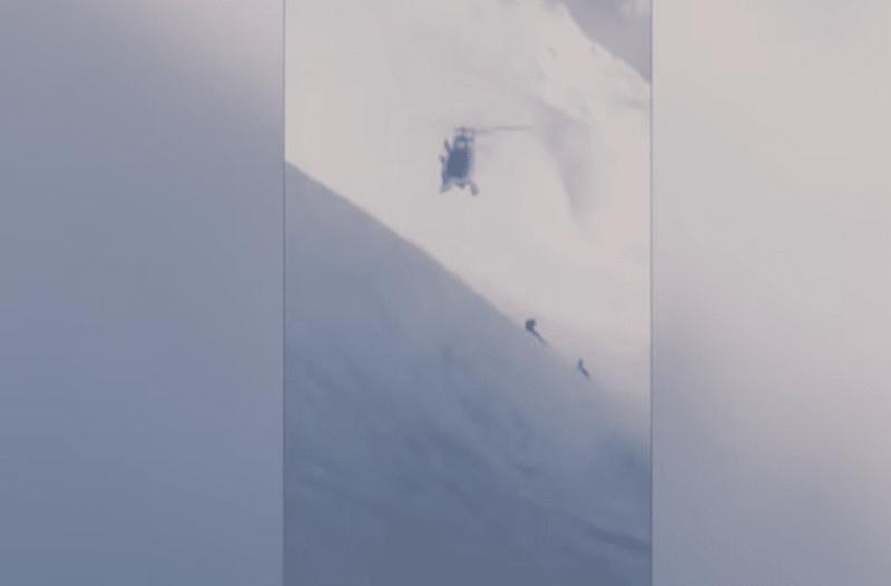 Ένα βίντεο που κόβει την ανάσα: Ελικόπτερο ακουμπά με το ρύγχος στη χιονισμένη πλαγιά!