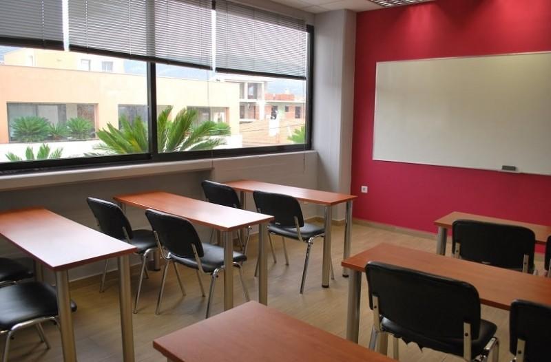Φρίκη στα Χανιά: Ακόμα και μέσα στο φροντιστήριο ασελγούσε στις μαθήτριες ο καθηγητής!