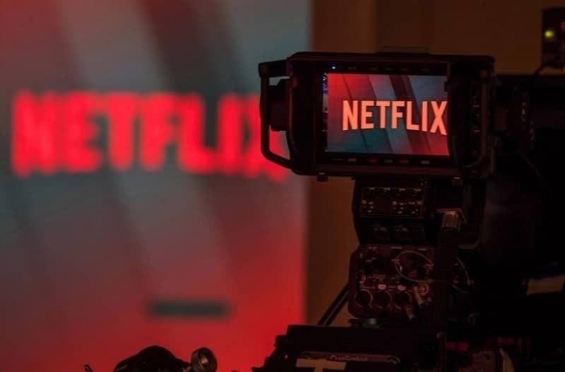 Πως να βλέπεις τις αγαπημένες σου σειρές στο Netflix ακόμα και την ώρα μιας...πτήσης!