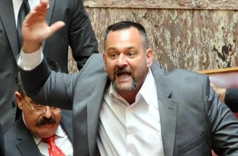 Προκαλούν ξανά οι Χρυσαυγίτες στη Βουλή! Παραλίγο να πιαστούν στα χέρια! (video)