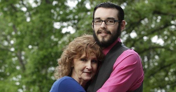 gary almeda feature 600x315.jpg?0 - 72χρονη παντρεύτηκε 19χρονο που γνώρισε κι ερωτεύτηκε στην κηδεία του γιου της!
