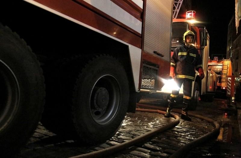 Συναγερμός στην Πάτρα: Πυρκαγιά σε μονοκατοικία! - Άνδρας ανασύρθηκε χωρίς τις αισθήσεις του!