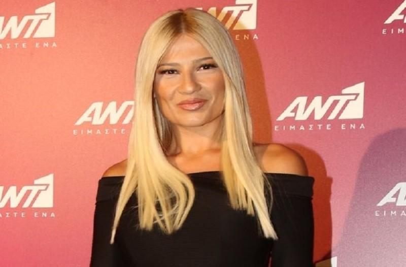 Φαίη Σκορδά: Αντέγραψε το εντυπωσιακό look της παρουσιάστριας!
