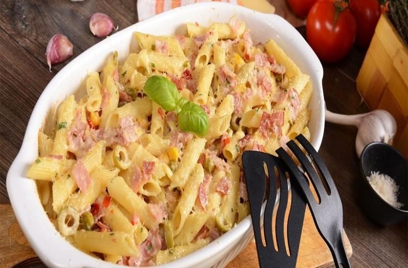 Η πιο νόστιμη συνταγή: Μακαρόνια γκρατέν με 4 τυριά!