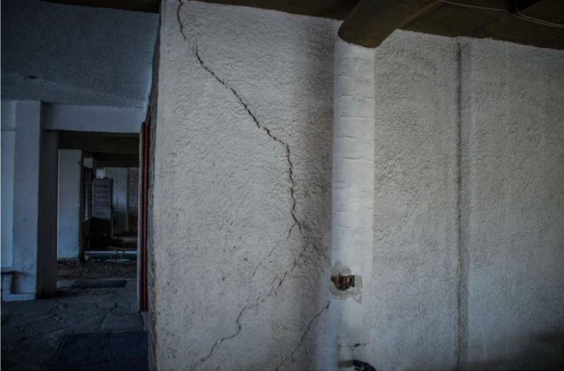 Χαμός στη Πρέβεζα μετά τον σεισμό: Ρωγμές, δρόμοι