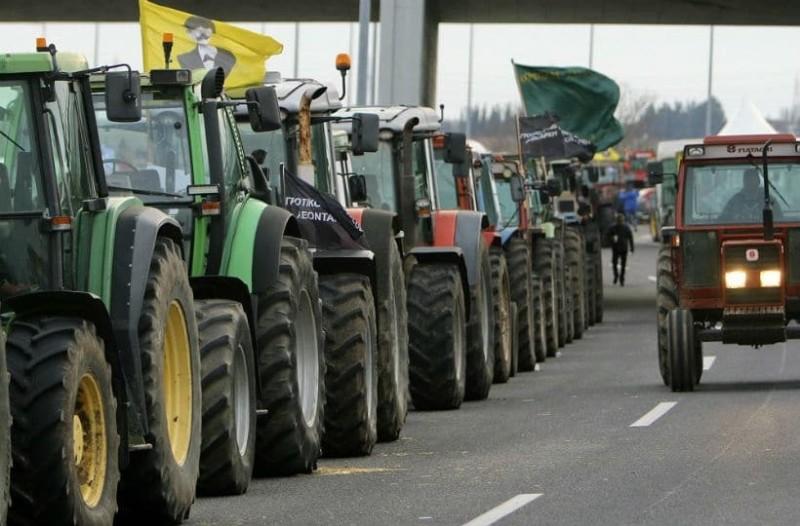 Αγρότες: Απέκλεισαν την Πατρών - Πύργου!