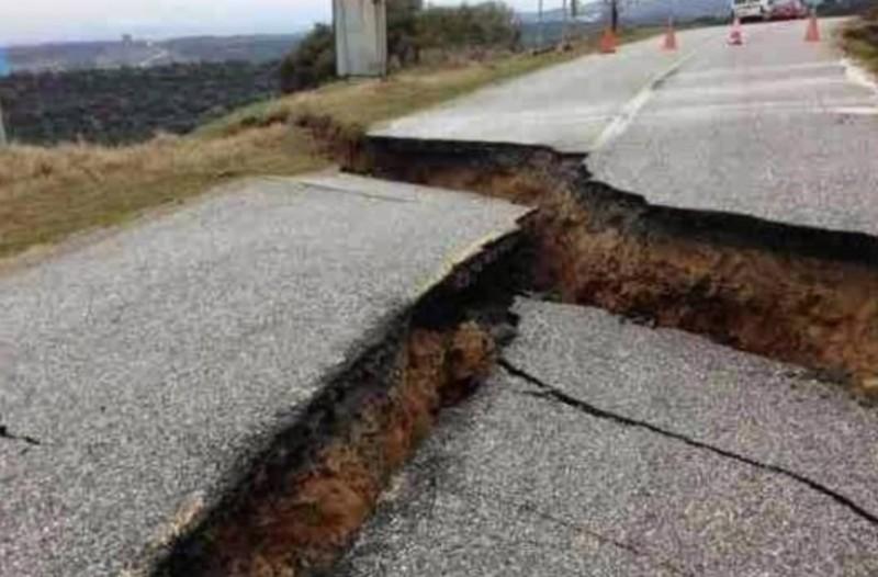 Φθιώτιδα: Κόπηκε ο δρόμος στα δύο! Αποκλεισμένα δυο χωριά