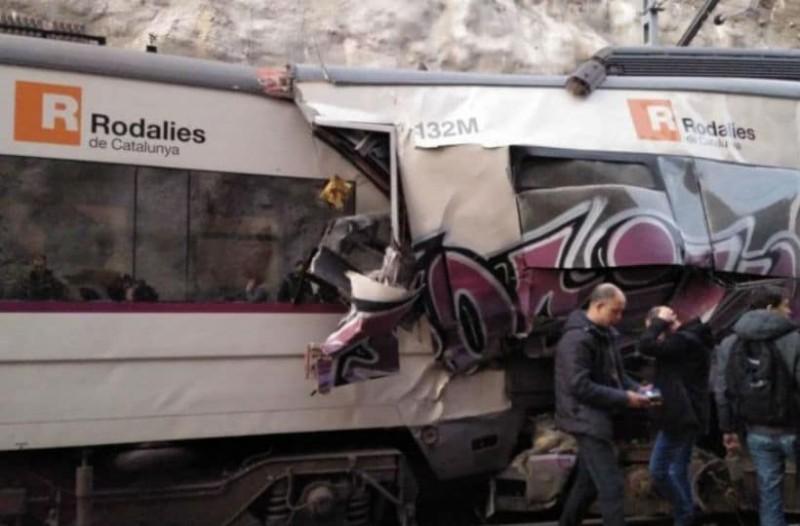 Τραγωδία στην Ισπανία: Ένας νεκρός και οχτώ τραυματίες από εκτροχιασμό τρένου!