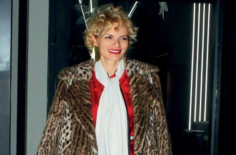 d91231ec2f Έλενα Χριστοπούλου  Αντέγραψε το look της και μαγνήτισε τα βλέμματα ...