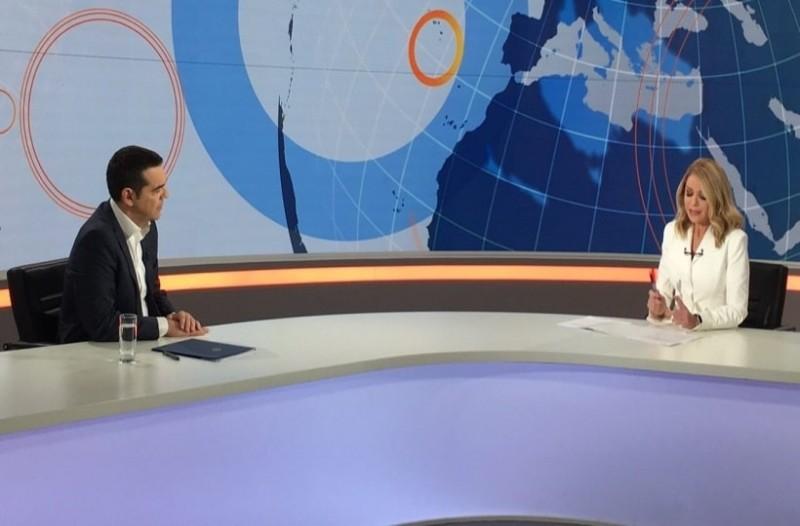 Ο επικός διάλογος Τσίπρα - Στάη πίσω από τις κάμερες! - «Είναι εκτυφλωτική η Έλλη, ρε παιδί μου»! (Video)