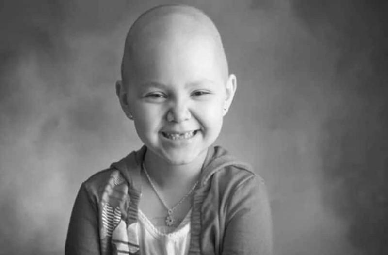 Πόσο μαλάκας νιώθεις μπροστά στον παιδικό καρκίνο!