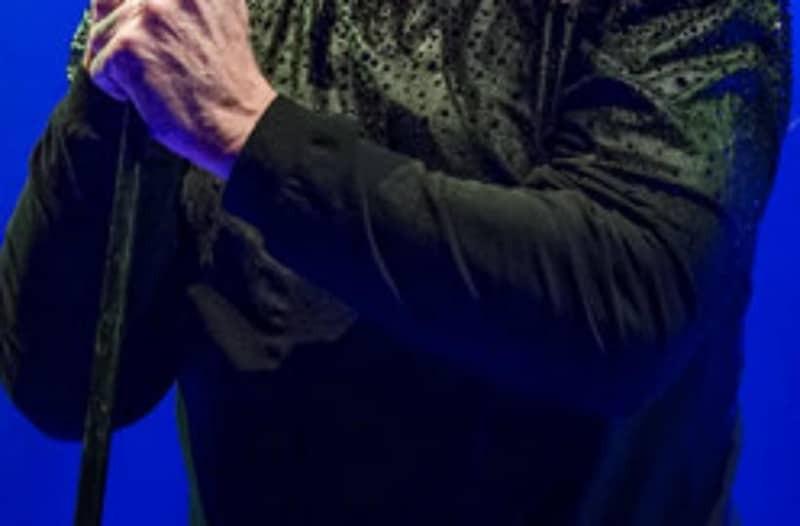 Πασίγνωστος τραγουδιστής δίνει μάχη για την ζωή του στην εντατική!