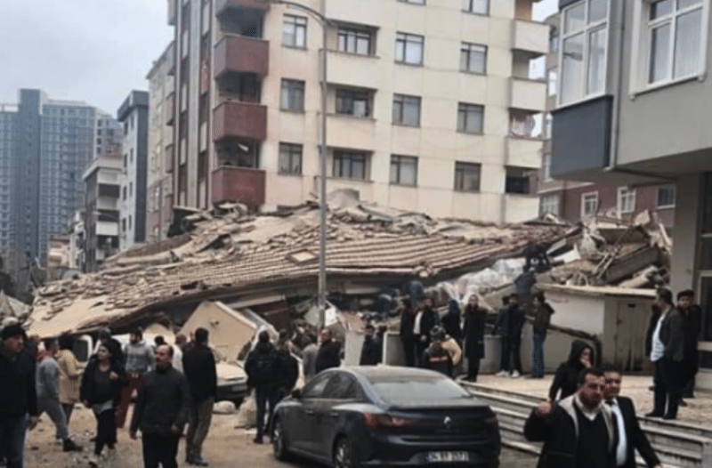 Κωνσταντινούπολη: Δεύτερος νεκρός από την κατάρρευση 8όροφου κτιρίου