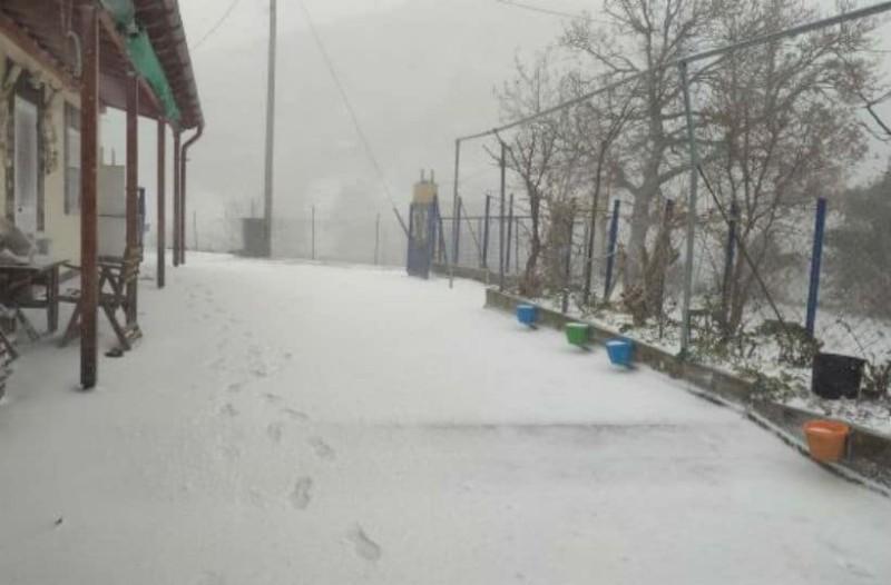 Σφοδρή χιονοθύελλα στη Σαμοθράκη!