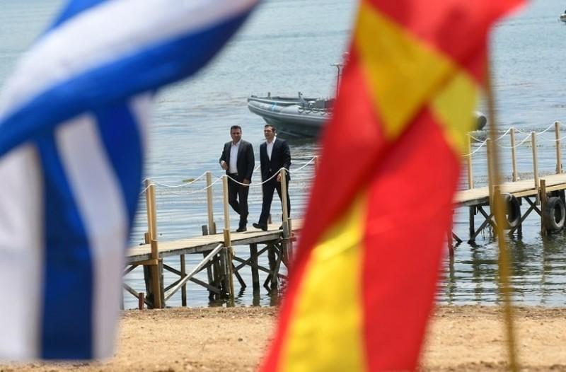 Σημαία του ΝΑΤΟ και «Βόρεια Μακεδονία» στα κυβερνητικά κτίρια των Σκοπίων!