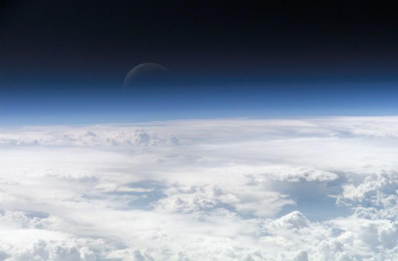 Ευρωπαϊκός Οργανισμός Διαστήματος: Η Σελήνη βρίσκεται στη μέση της γήινης ατμόσφαιρας!
