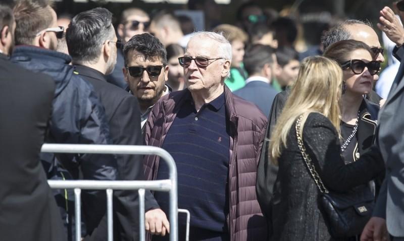 Κηδεία Θανάση Γιαννακόπουλου: Παρών και ο Σάββας Θεοδωρίδης!
