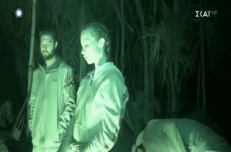 Survivor Ελλάδα Τουρκία: Στα «μαχαίρια» η ελληνική ομάδα! - Γιατί όλοι έπεσαν να φάνε τον Τόνι; (Video)