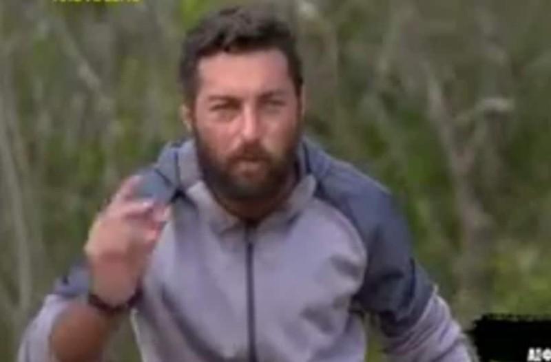 Survivor: Η άσεμνη χειρονομία του Τόνι - Ξέσπασαν σε κλάματα οι παίκτες!  (βίντεο)