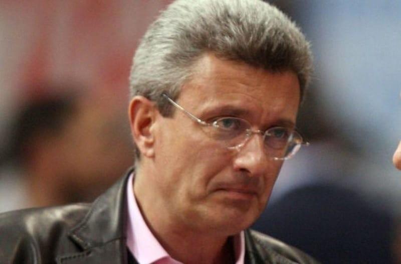 Σοβαρό χτύπημα για τον Νίκο Χατζηνικολάου: Το σοκ είναι μεγάλο!