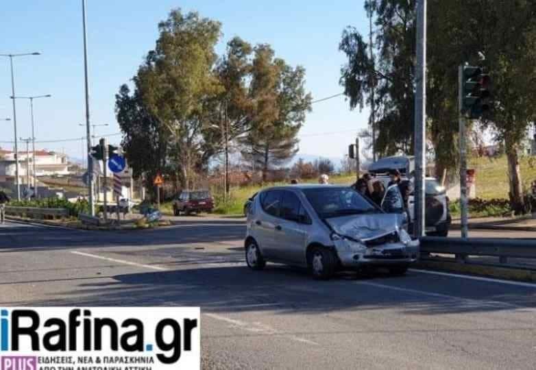 Ραφήνα: Σοβαρό τροχαίο στη Λ. Μαραθώνος!