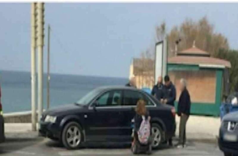 Γυναίκα ΑμεΑ «τιμώρησε» τον οδηγό που της έκλεισε τον δρόμο με τον πιο έξυπνο τρόπο!