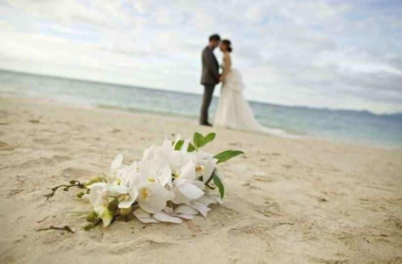 Αδιανόητο: Έστελνε προσκλήσεις για τον γάμο χώρις να της έχει γίνει καν πρόταση!
