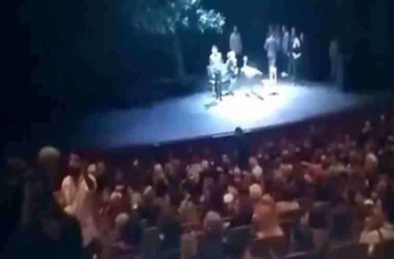 Παράσταση του ΚΘΒΕ διακόπηκε από μέλη του ''Ιερού Λόχου''!