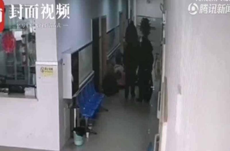 5χρονος πνίγηκε στην Κίνα,σταμάτησε η καρδιά του και οι γιατροί τον έσωσαν από θαύμα!
