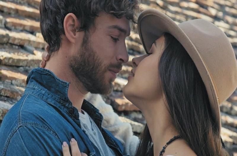 Δανάη Παππά  Είναι τελικά ζευγάρι με τον Στέφανο Μιχαήλ  - Τι απαντά η  ηθοποιός 11b6b4fe8c9