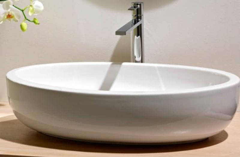 Καθαριότητα στο σπίτι: Έτσι θα κάνετε τον νιπτήρα σας να αστράφτει!