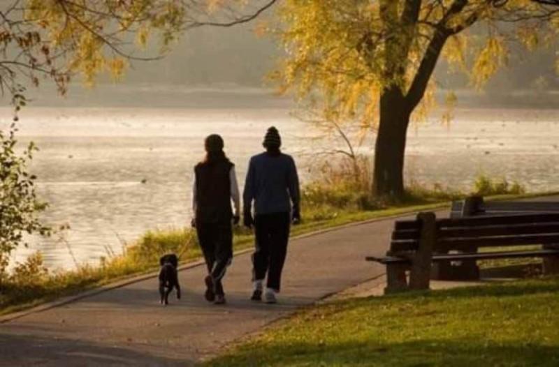 Να τι θα συμβεί στο σώμα σας αν περπατάτε 30 λεπτά κάθε μέρα