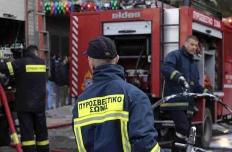 Kηφισός: Φωτιά σε όχημα μέσα σε γκαράζ εμπορικού κέντρου!