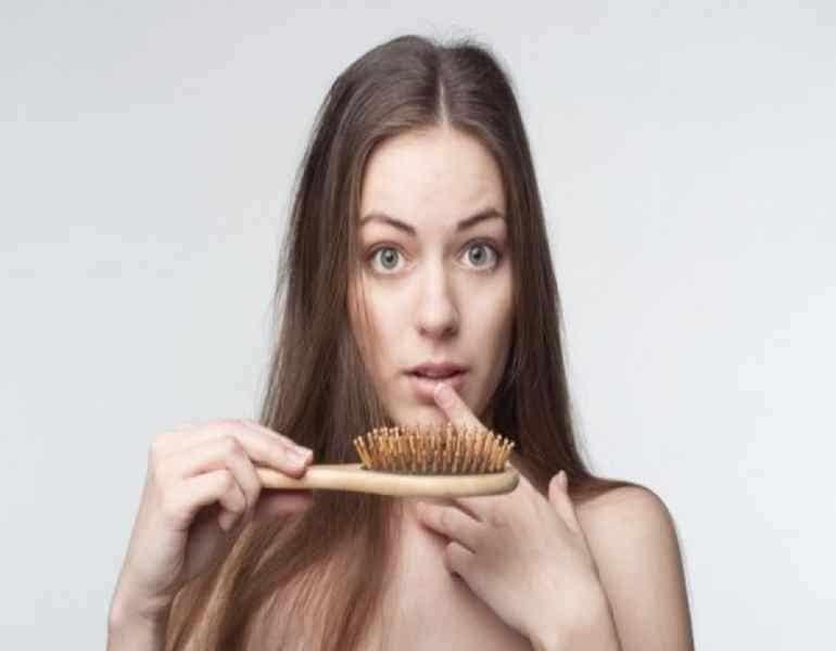Τριχόπτωση- Έξι αιτίες για την εμφάνιση της!