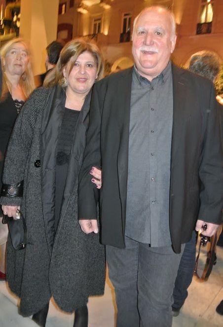 Γιώργος Παπαδάκης: Τα δύσκολα χρόνια, οι απώλειες, ο κούκλος γιος του και η γυναίκα της ζωής του!