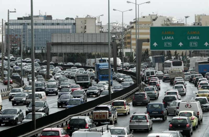 Κυκλοφοριακό κομφούζιο στους δρόμους της Αθήνας! Σε ποια σημεία δεν κουνιέται τίποτα;