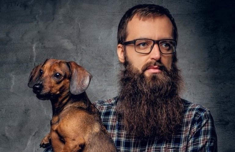 Νέα επιστημονική μελέτη: Oι άνδρες με μούσι έχουν περισσότερα μικρόβια από τους...σκύλους!