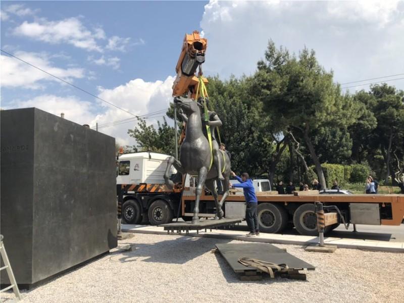 Το άγαλμα του Μεγάλου Αλεξάνδρου τοποθετήθηκε στο κέντρο της Αθήνας!