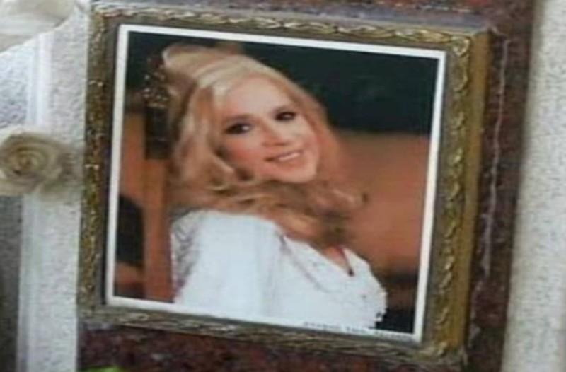 Νεκρή η Αλίκη Βουγιουκλάκη: Οι νέες απαγορευμένες φωτογραφίες που έρχονται 23 χρόνια μετά την κηδεία της στο φως!
