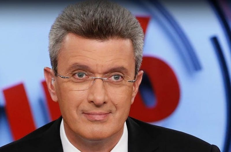 Θύμα... επίθεσης ο Νίκος Χατζηνικολάου: Φωτογραφία - ντοκουμέντο!
