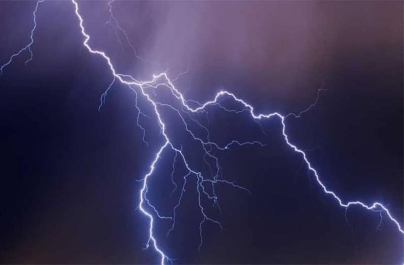 Απίστευτο στην Κέρκυρα: Κεραυνός χτύπησε σκάφος!
