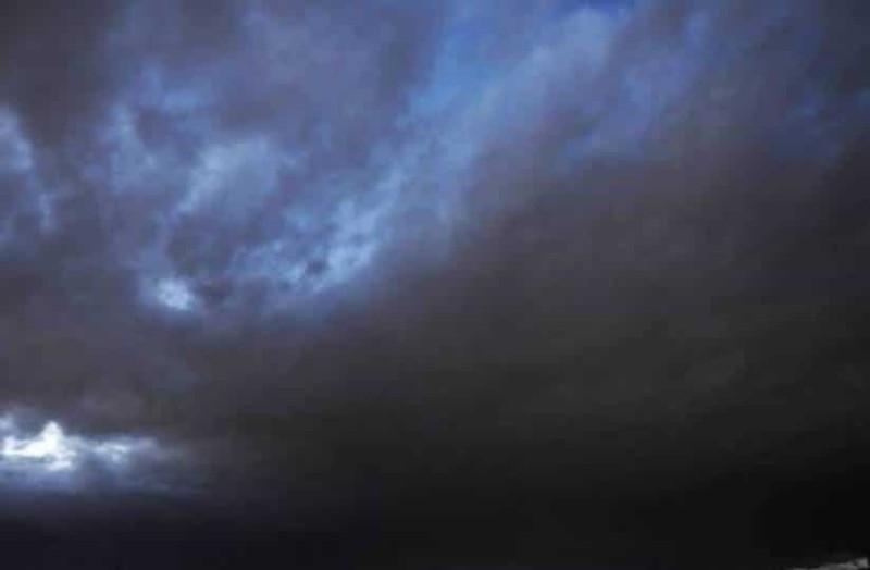 Καιρός σήμερα με αραιές νεφώσεις και πιθανότητα βροχής