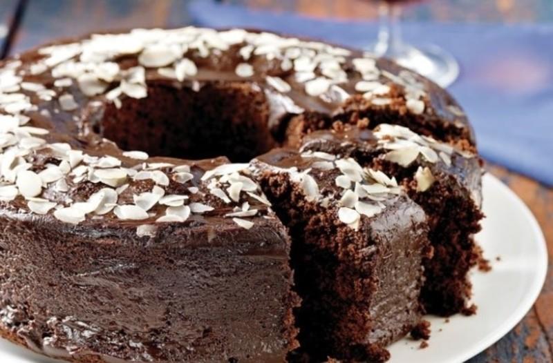 Το πιο νόστιμο κέικ με τριπλή σοκολάτα!