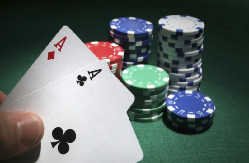 Ρόδος: Συλλήψεις για παράνομο καζίνο- Κατασχέθηκαν 1.842,10 ευρώ!