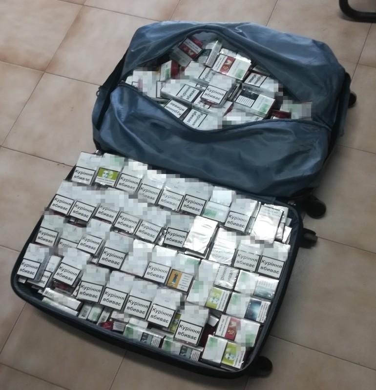 Ηγουμενίτσα:Το Σκάνερ Βρήκε Τα Λαθραία Τσιγάρα Στη Βαλίτσα Του
