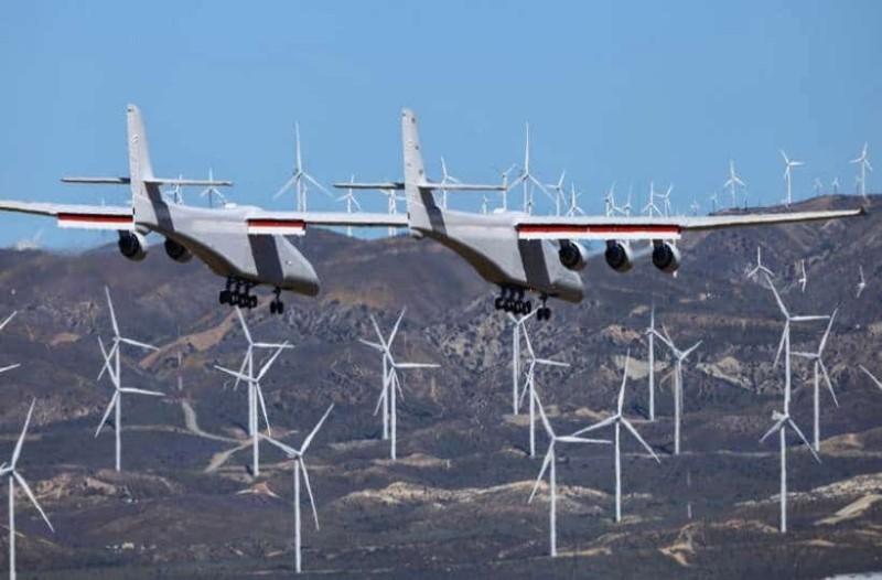 Stratolaunch: Το πιο μεγάλο αεροσκάφος του κόσμου! (Video)
