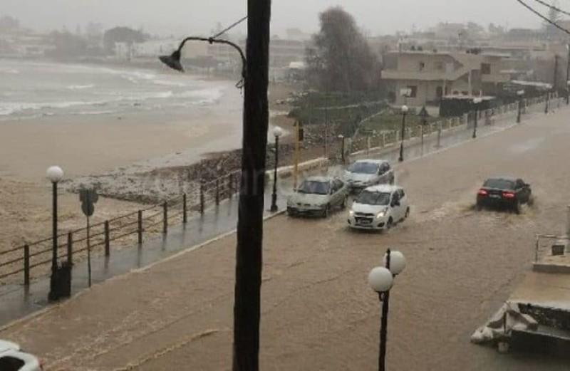 Κρήτη: Εγκλωβισμένοι άνθρωποι λόγω κακοκαιρίας!